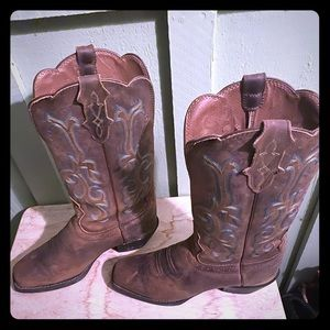 Woman's size 8 Leather Boots